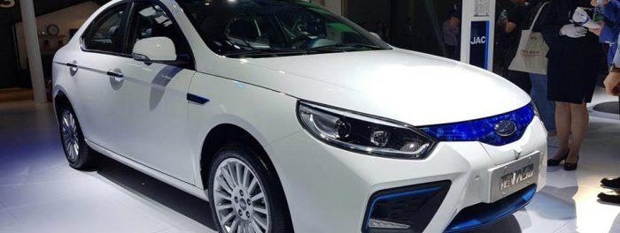 Por que a China é líder mundial em carros elétricos?